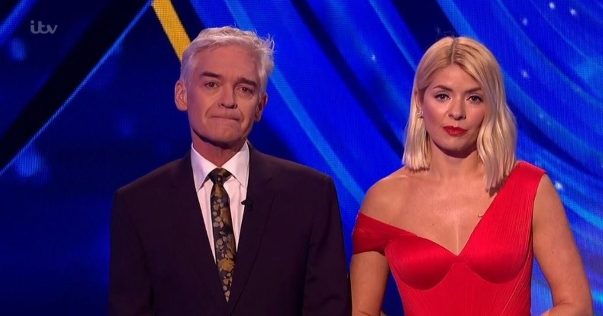 Phillip Schofield in tears as he pays tribute to Caroline Flack on Dancing On Ice – Manchester Evening News
