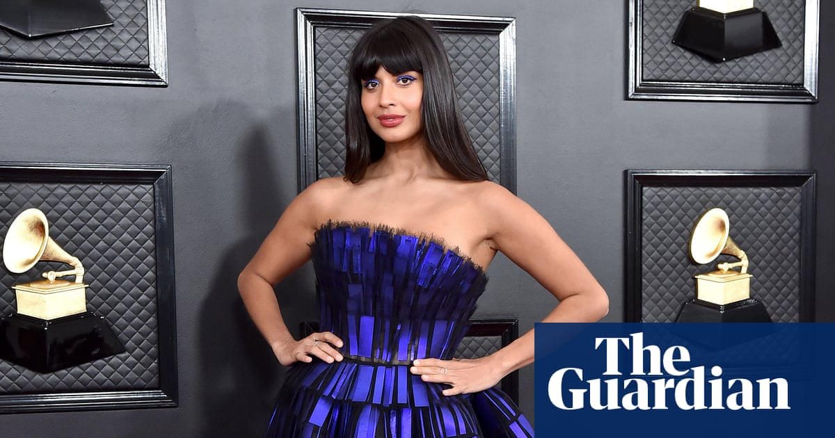 https://celebritycontent.com/2020/02/07/jameela-jamil-comes-out-as-queer-after-voguing-show-backlash/