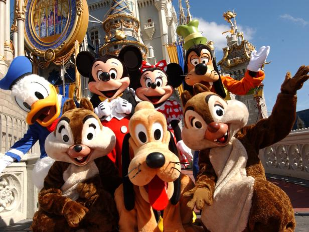"""5 Reasons you should have a """"Disney Bestie"""""""