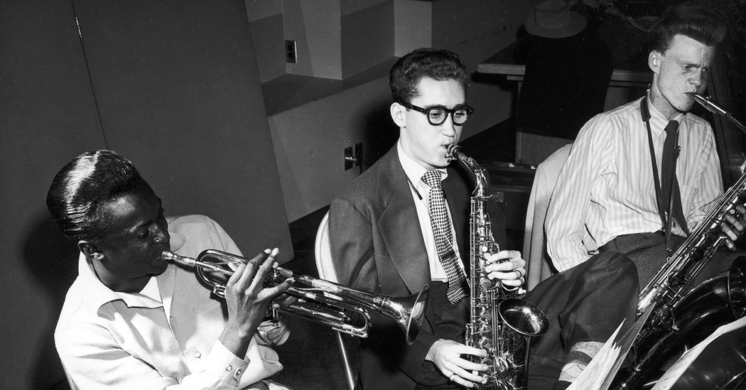 Lee Konitz, Jazz Saxophonist Who Blazed His Own Trail, Dies at 92 – The New York Times
