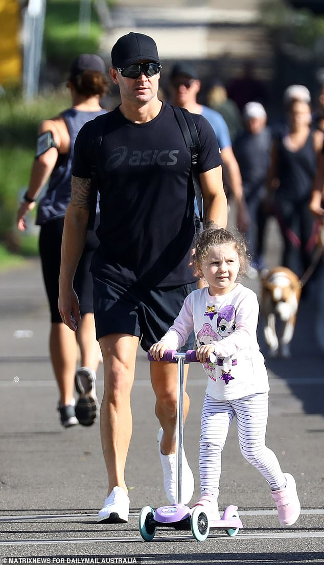 Michael Clarke enjoys a stroll with daughter Kelsey Lee, four, following his split from Pip Edwards – Utah's VFX 94.5 / 98.3