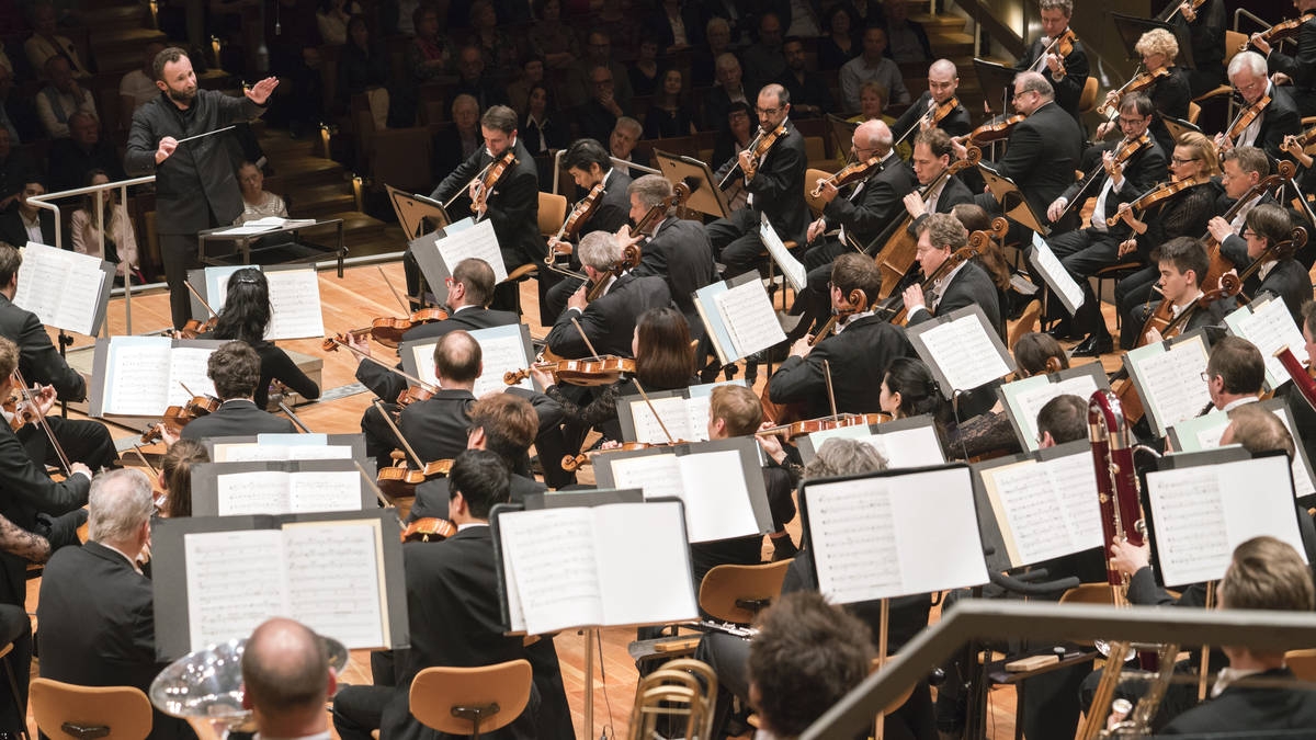 Live orchestral concerts to begin again – Berlin Philharmonic schedules first… – Classic FM