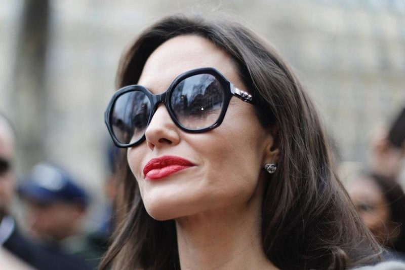 https://celebritycontent.com/2020/04/11/is-angelina-jolie-suing-jennifer-aniston-demotix/