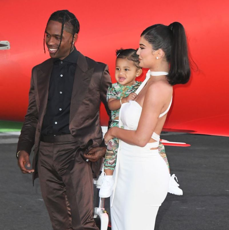 Travis Scott Quarantines with Kylie Jenner and Stormi Webster at Kris Jenner's home – Yve-Style.com