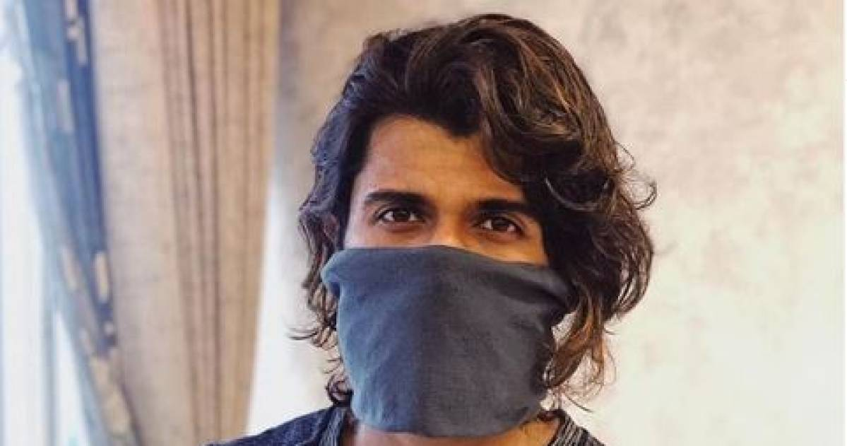 'Leave medical masks for doctors, go for homemade options': Vijay Deverakonda