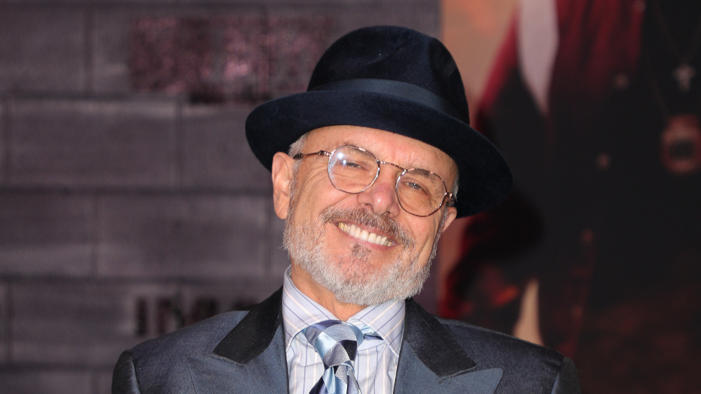https://celebritycontent.com/2020/05/03/sopranos-star-joe-pantoliano-recovering-after-being-hit-by-car-variety/