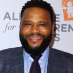 https://celebritycontent.com/2020/08/15/anthony-anderson-to-receive-star-on-the-hollywood-walk-of-fame-despite-covid-19-pandemic/