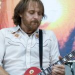 https://celebritycontent.com/2020/08/20/former-supersuckers-guitarist-ron-rontrose-heathman-has-died-louder/