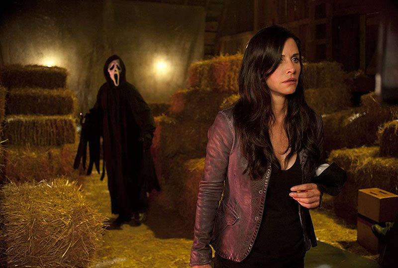 Courteney Cox Returning For Scream Reboot!
