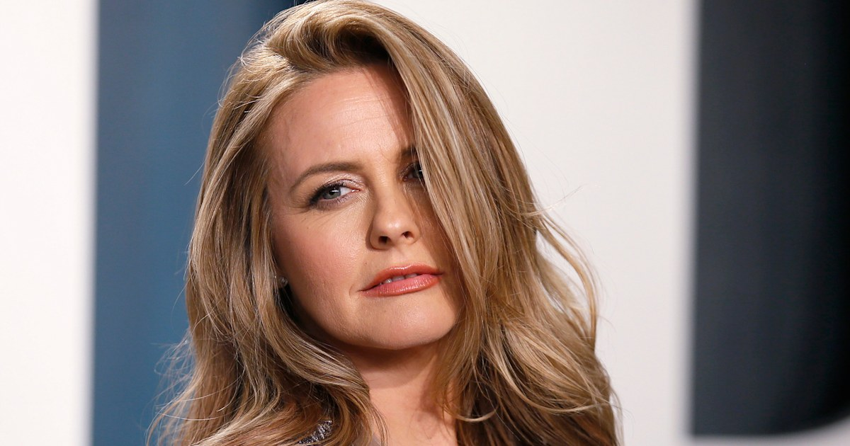 Alicia Silverstone says we've been mispronouncing her name